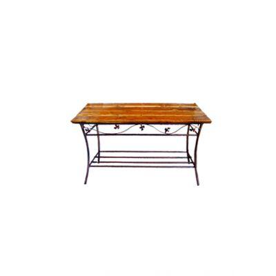 Kovový stol s dreveným vrchom